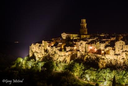 Le village médiéval accroché aux rochers de Pitigliano